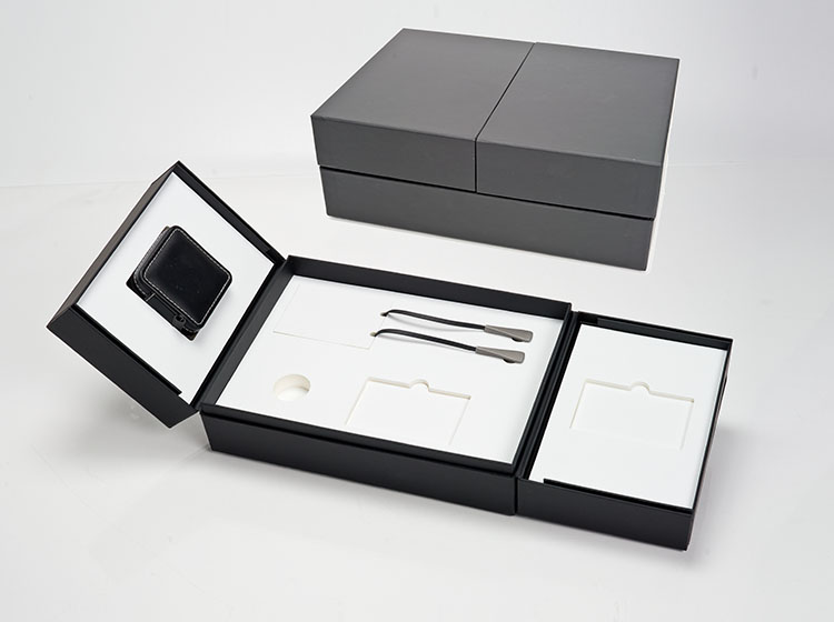 Packaging for headsets and mp3 player