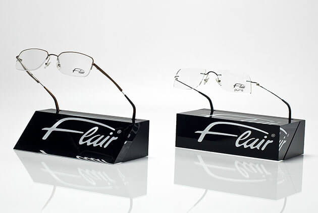 Display for spectacles